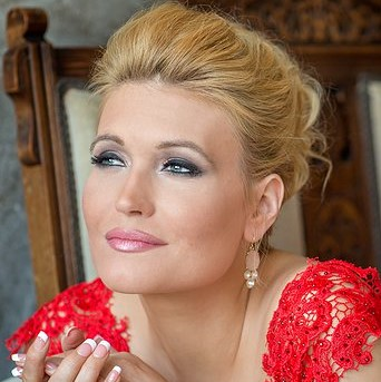 Kirsten Chambers