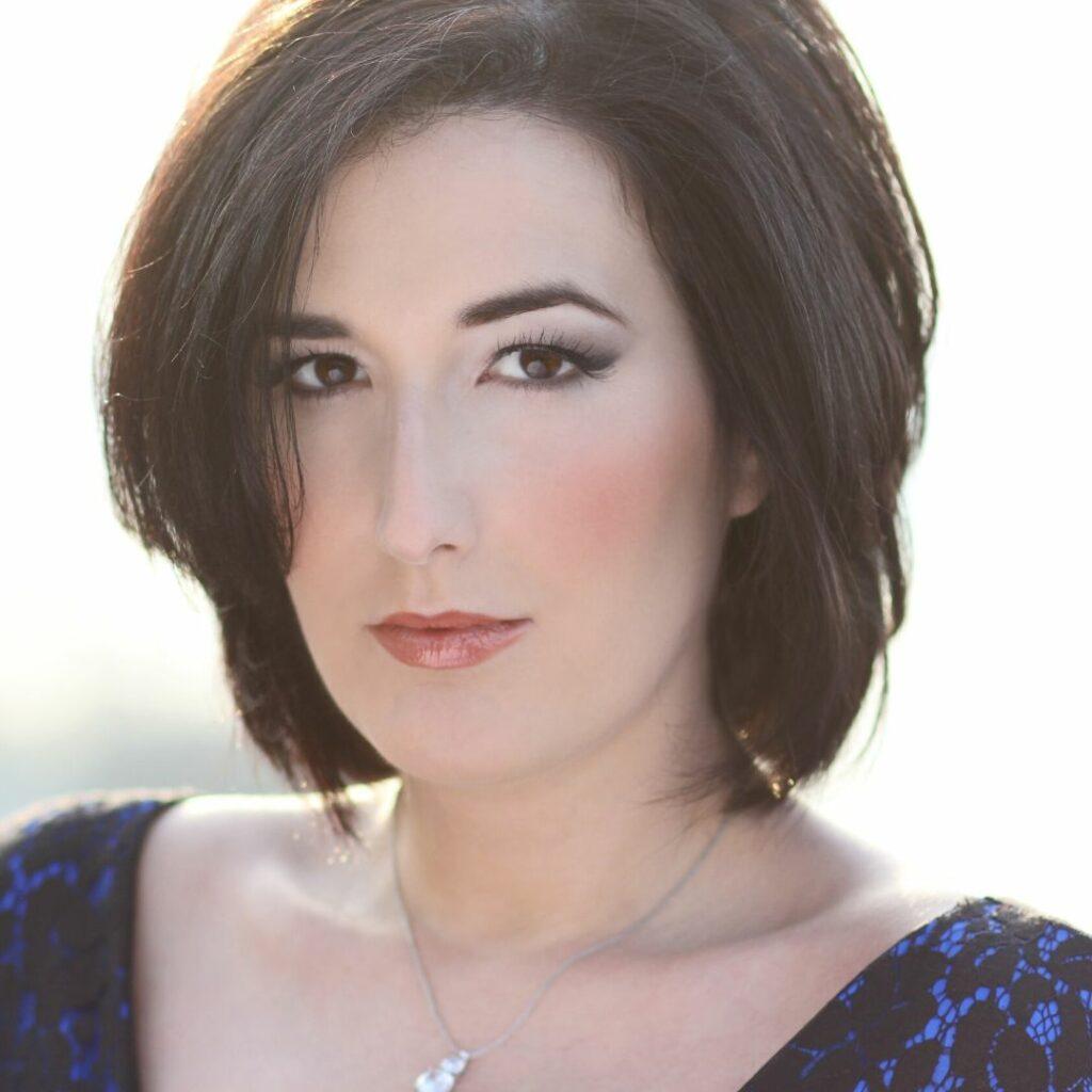 Lisa Chaves